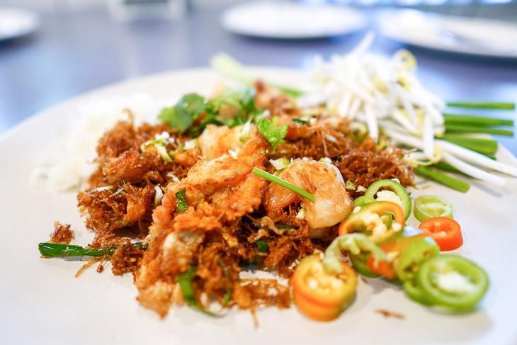 Mee krob or Thai crispy noodle