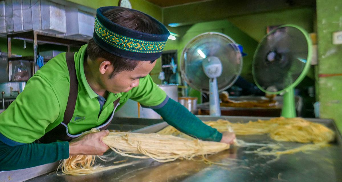 Ayutthaya Making of Candy floss with Roti