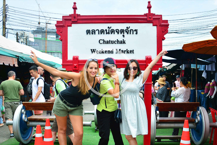 Bangkok Chatuchak Market Food Tour