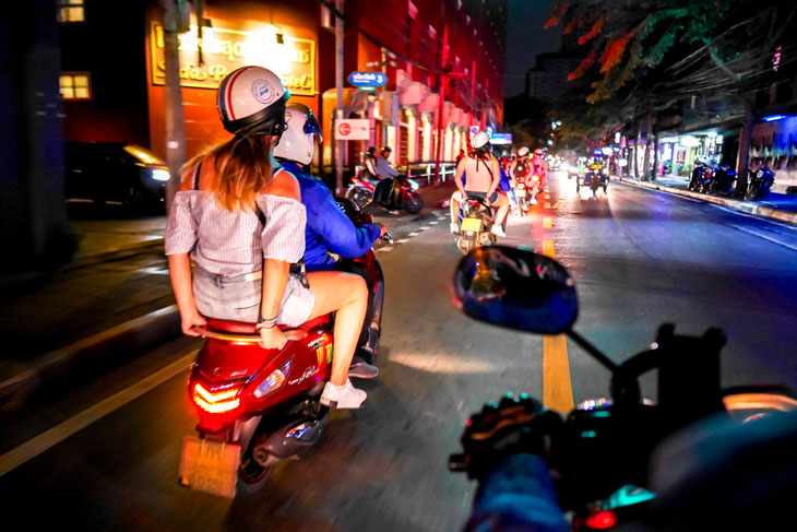 Bangkok Motorbike tour at night