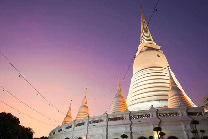A large stupa at Wat Pravoonwonsawat Temple, Bangkok