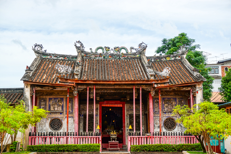 Kian Un Keng Shrine Kudeejeen | Chao Phraya River Sightseeing | Bangkok Food Tours