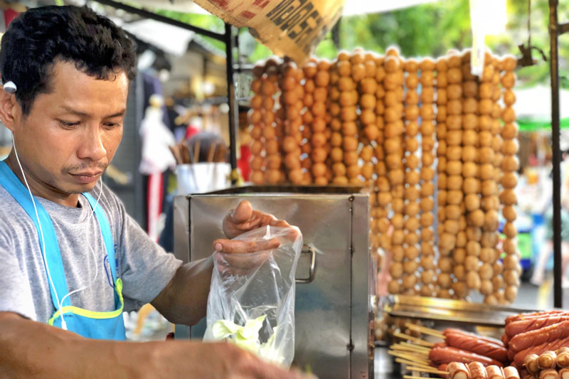 Northeastern Thai sausages_Chatuchak Street Food Tour | Street food tour in Bangkok | Bangkok Food Tours