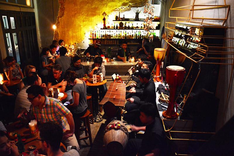 Tep Bar Bar Crawl | Bangkok night tours | Bangkok Food Tours