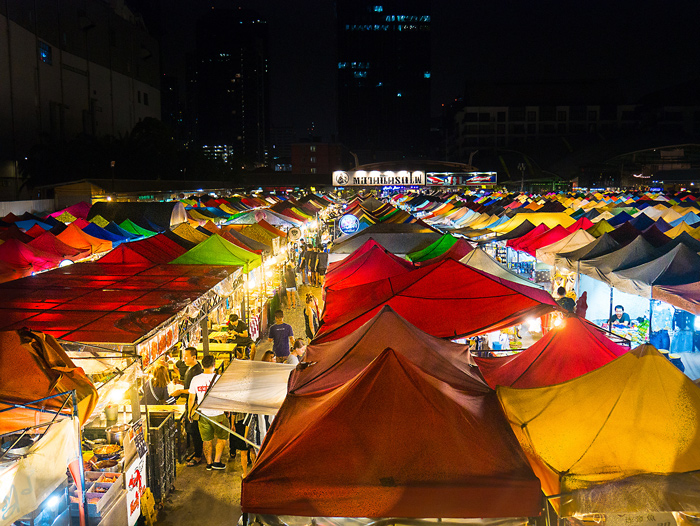 Talad Rot Fai Train Night Market Ratchada | Bangkok in 3 days | Bangkok Food Tours